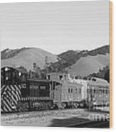 Historic Niles Trains In California . Southern Pacific Locomotive And Sante Fe Caboose.7d10819.bw Wood Print