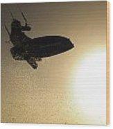 Kitesurfing At Sunset Wood Print