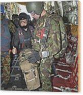 Members Of The Pathfinder Platoon Wait Wood Print
