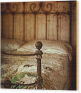 Old Iron Bed Wood Print