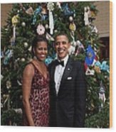 President And Michelle Obama Pose Wood Print