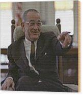 President Lyndon Johnson Gesturing Wood Print by Everett