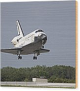 Space Shuttle Discovery Approaches Wood Print