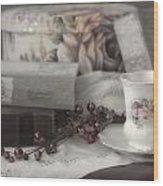 Tea And Gulliver Wood Print
