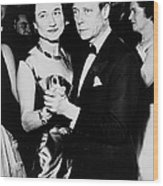 The Duke And Duchess Of Windsor Wood Print by Everett