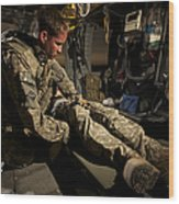 U.s. Army Specialist Practices Giving Wood Print