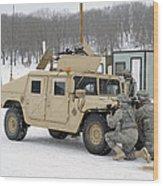 U.s. Soldiers Take Cover Wood Print