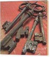 Old Keys Wood Print