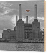 Pink Floyd Pig At Battersea Wood Print