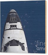 Space Shuttle Discovery Wood Print by Nasa