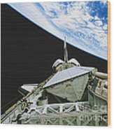 Space Shuttle Endeavour Wood Print