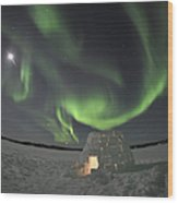 Aurora Borealis Over An Igloo On Walsh Wood Print by Jiri Hermann
