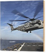 A Ch-53e Super Stallion Prepares Wood Print