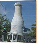 A Giant Milk Bottle In Spokane Wood Print