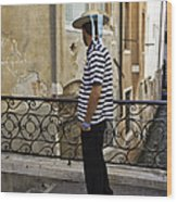 A Gondolier In Venice Wood Print