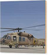 A Uh-60 Black Hawk Yanshuf Wood Print