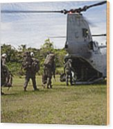 A U.s. Marine Corps Ch-46e Sea Knight Wood Print