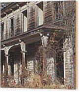 Abandoned Dilapidated Homestead Wood Print