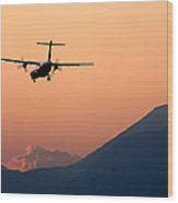 Airplane Landing At Sunset On The Summer Solstice Wood Print
