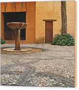 Alhambra Courtyard And Fountain In Spain Wood Print