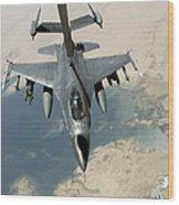 An F-16 Fighting Falcon Refuels Wood Print