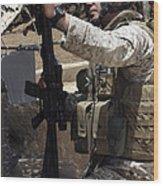 An Infantryman Talks To His Marines Wood Print