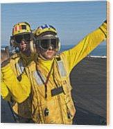 Aviation Boatswain Mates Direct An Wood Print
