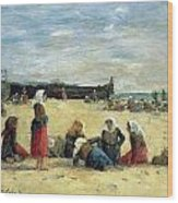 Berck - Fisherwomen On The Beach Wood Print