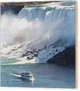 Boat On Niagara Falls Wood Print