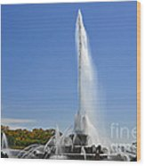 Buckingham Fountain - Chicago's Iconic Landmark Wood Print by Christine Till