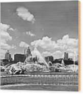 Buckingham Fountain In Chicago Wood Print