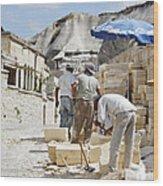Builders Under Baking Heat Wood Print