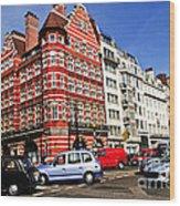 Busy Street Corner In London Wood Print