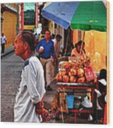 Calle De Coco Wood Print