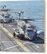 Ch-53e Super Stallion Helicopters Wood Print