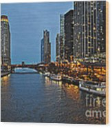 Chicago River At Twilight Wood Print