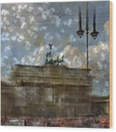 City-art Berlin Brandenburger Tor II Wood Print by Melanie Viola