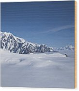 Cloud-covered Bowl Of The Upper Hubbard Glacier Wood Print