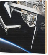 Components Of Space Shuttle Discovery Wood Print