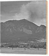 Country View Of The Flagstaff Fire Panorama Bw Wood Print