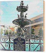 Court Square Fountain Wood Print