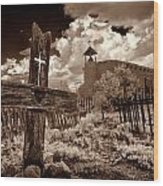 Cross At Los Golondrinas Wood Print