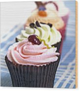 Cupcakes On Tablecloth Wood Print by Jane Rix