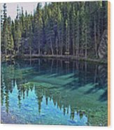 Emerald Mountain Pond Wood Print