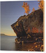 Fall Colours In The Squaw Bay Fallen Rock Wood Print