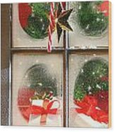 Festive Holiday Window Wood Print by Sandra Cunningham
