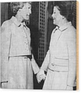 First Lady Patricia Nixon Hold Hands Wood Print