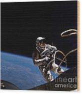 First U.s. Spacewalk Wood Print