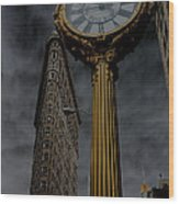 Flatiron Building And Clock Wood Print