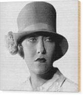 Gloria Swanson, 1927 Wood Print by Everett